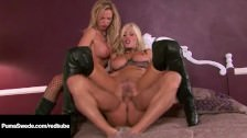 Seks z dwiema krągłymi i seksownymi laseczkami