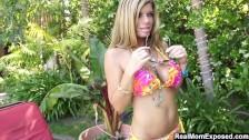 Cycata ślicznotka w bikini