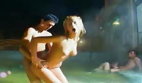 Amatorki na basenowej seks imprezce