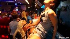 Oralna przyjemność na seks imprezce