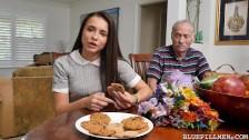 Stary ma na nią ochotę