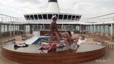 Marynarz z boskimi laseczkami