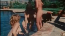 Fajne dziewczyny w basenie