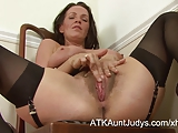 Maryln shows off her stockings