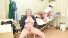 Stara parka z pielęgniarką