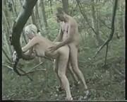 Leśny seks z blond babeczką