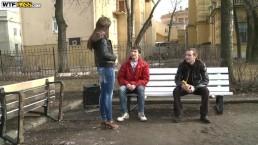 Pijani panowie posuwają młodą Rosjankę